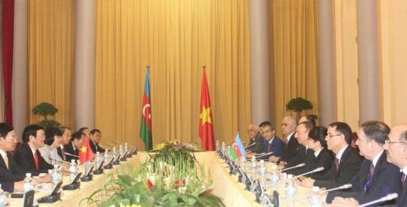 Chủ tịch nước Trương Tấn Sang và Tổng thống Cộng hòa Azerbaijan Ilham Aliyev tại buổi hội đàm