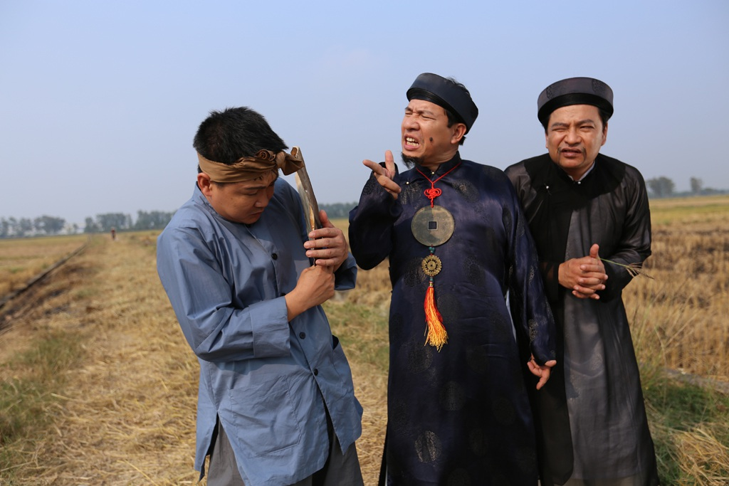 Bợm (Quang Thắng) là quan phụ mẫu ở huyện Bí Tị