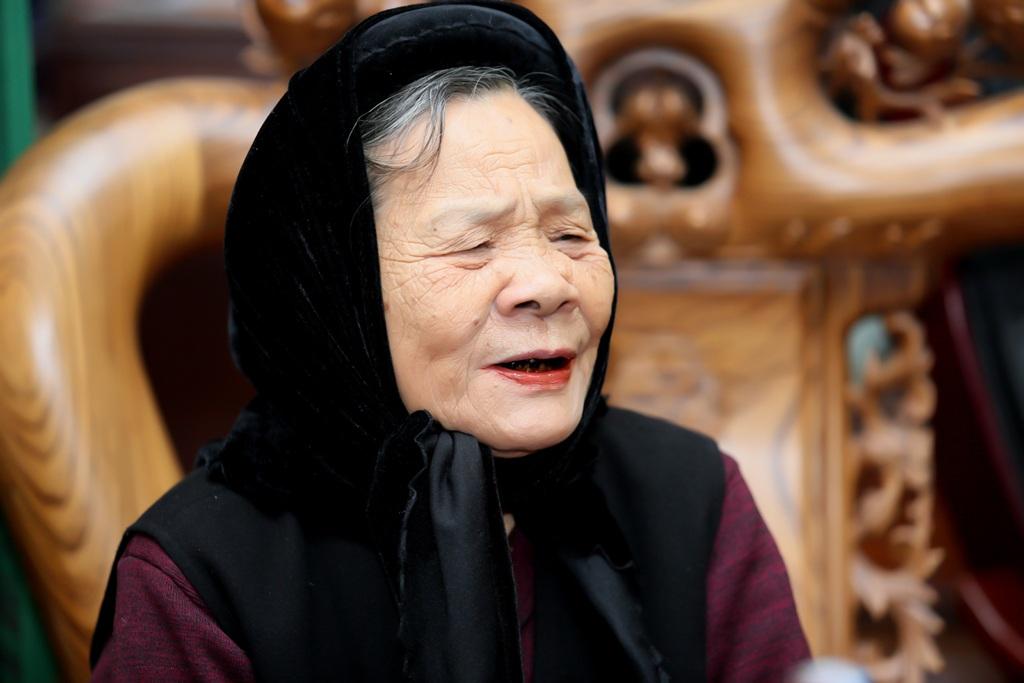 Với nghệ nhân Nguyễn Thị Bàn