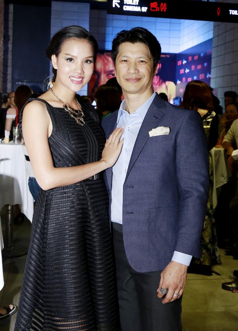 Bebe Phạm đến tham dự buổi ra mắt phim của Dustin Nguyễn