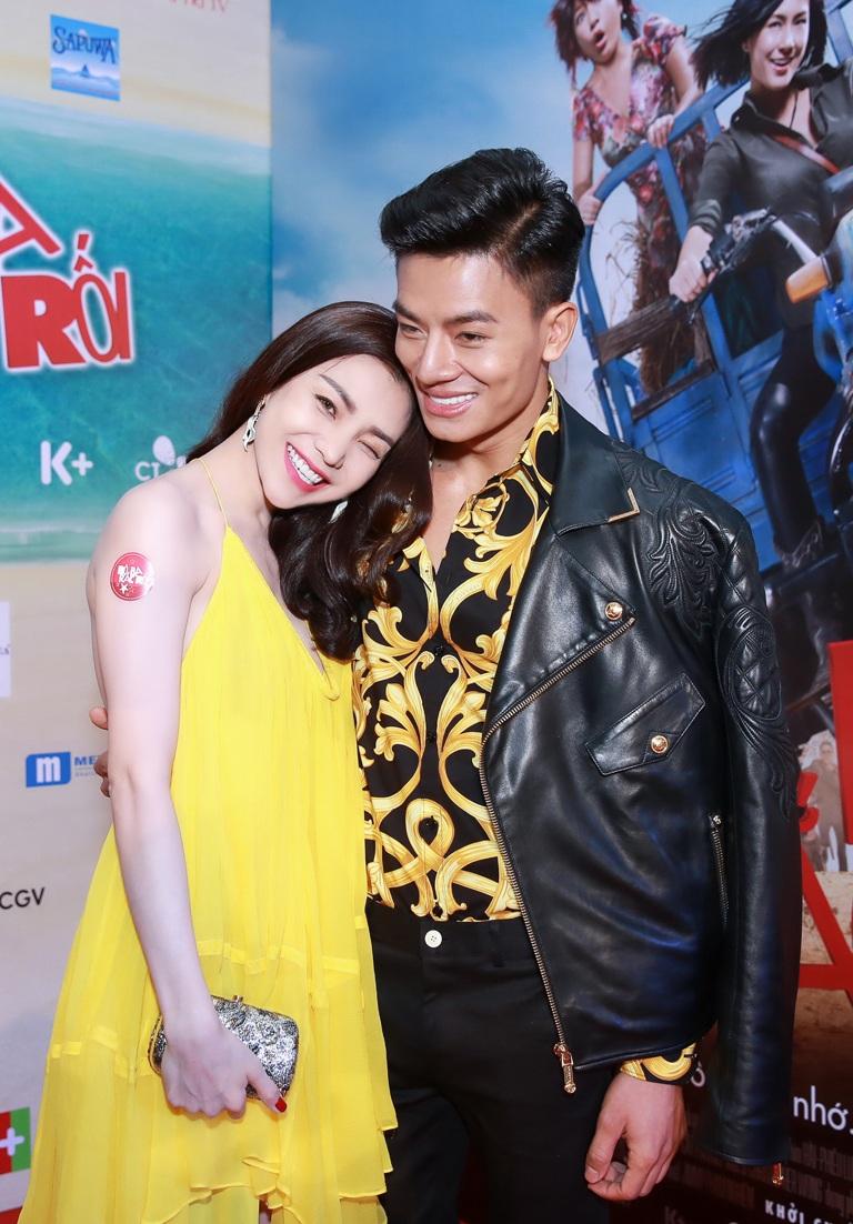 Người đẹp Trà Ngọc Hằng cũng đến dự sự kiện với chiếc váy hàng hiệu 3000 USD