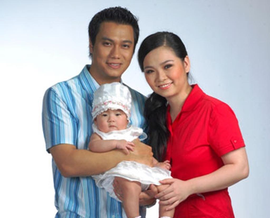Gia đình nhỏ của diễn viên Việt Anh khi xưa