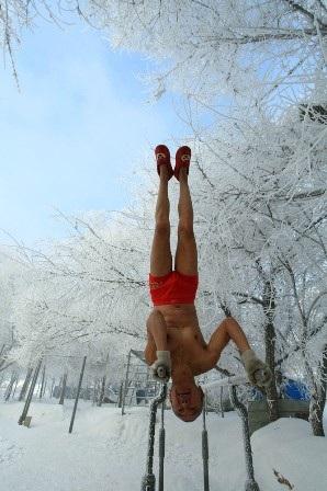 Ông Gao cho biết, mặc dù tập luyện dưới thời tiết lạnh giá nhưng ông chưa bao giờ bị cảm lạnh.