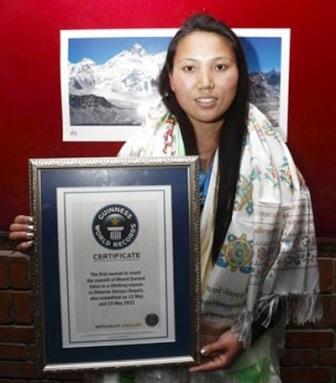 Người phụ chinh phục đỉnh Everest 2 lần trong 1 tuần