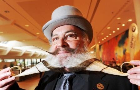 Bộ râu độc đáo của Hans-Peter Weis được ban giám khảo đánh giá lần 2