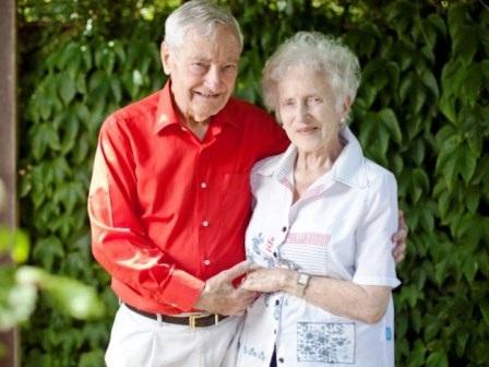 Ông Bob Humphries (89 tuổi) và bà