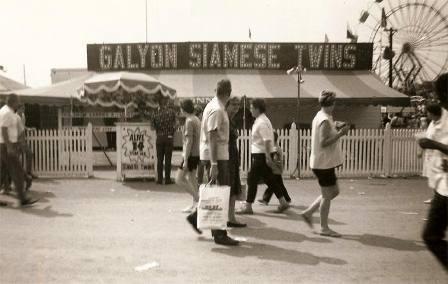 Một địa điểm biểu diễn của hai anh em nhà Galyon