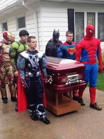 Trong ngày đám tang của con trai, chị