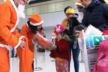Jetstar Pacific đã mang đến không khí Noel rộn ràng và ấm cúng ở các sân bay.