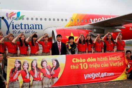 Bà Kang Jeong Hee được Vietjet Air tặng 1 năm bay miễn phí