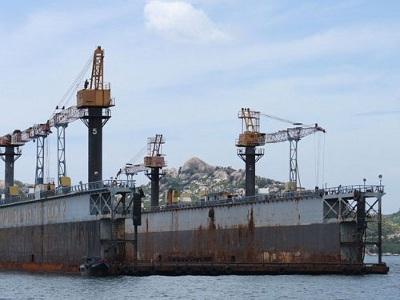 Ụ nổi 83M từng được Vinalines mua với giá 9 triệu USD, nay chỉ như đống sắt vụn.