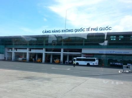 Cảng Hàng khôn Quốc tế Phú Quốc được khánh thành năm 2012 với tổng mức đầu tư 3.000 tỷ đồng