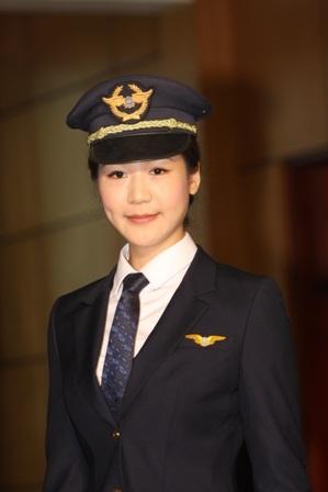 Phi công Vietnam Airlines trong đồng phục mới