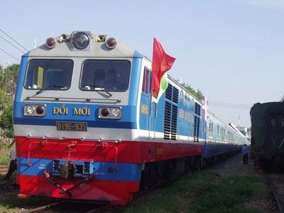 Xã hội hóa, kêu gọi tư nhân tham gia kinh doanh vận tải nhằm đổi mới ngành đường sắt