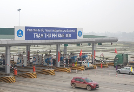 Trạm thu phí trên cao tốc Nội Bài - Lào Cai