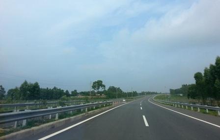 Cao tốc Nội Bài - Lào Cai.