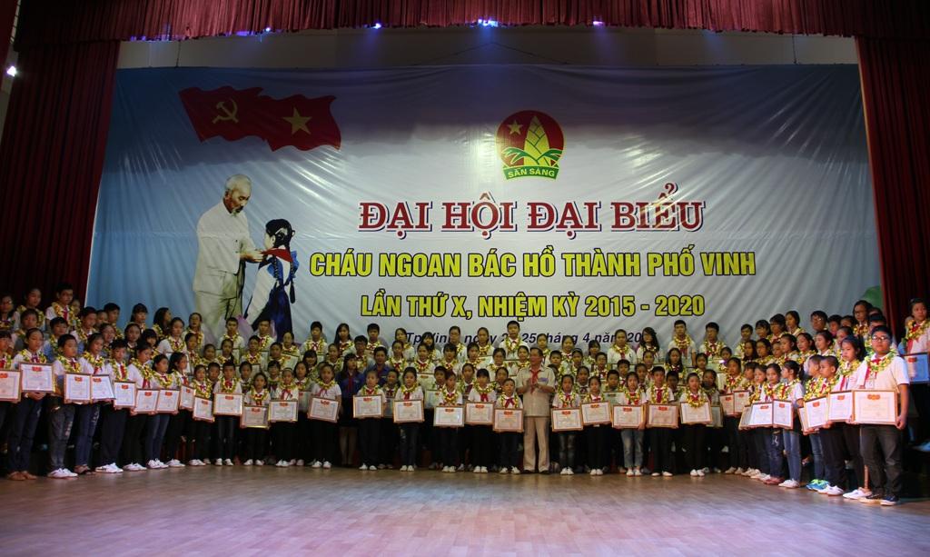 Đợt này, có 125 đội viên được biểu dương, tặng bằng khen Cháu ngoan Bác Hồ.