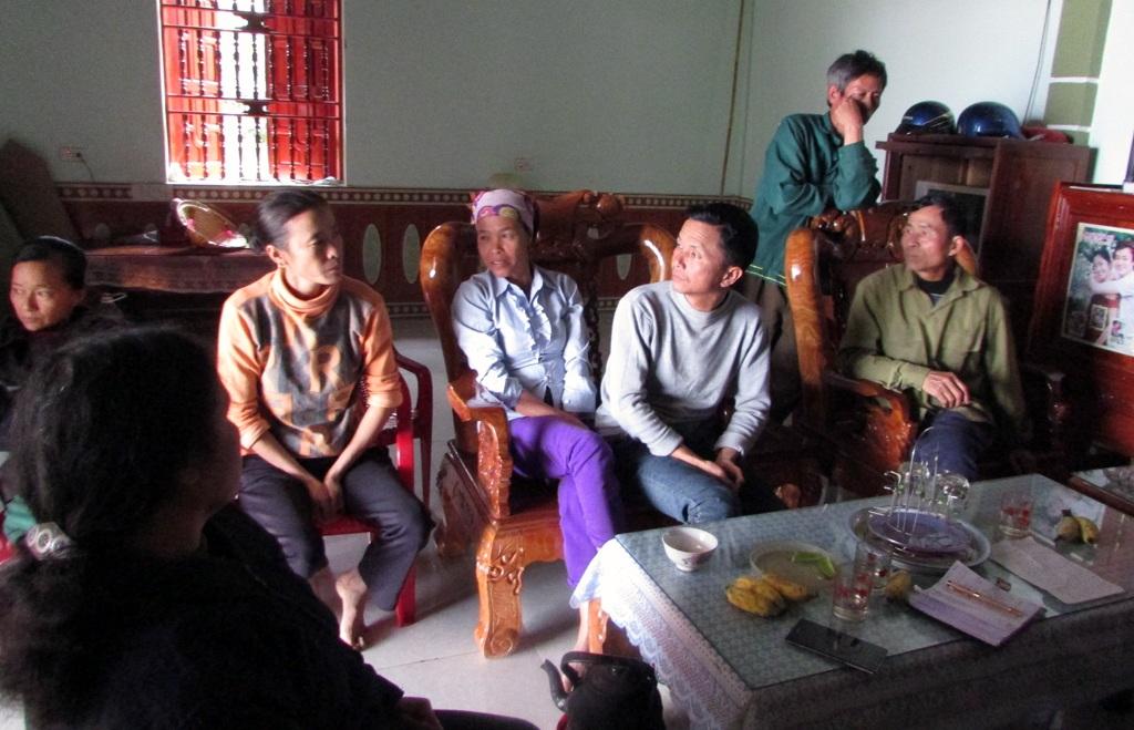 Người dân xóm 6 cho rằng, nhiều gia đình vẫn chưa nhận được tiền hỗ trợ.