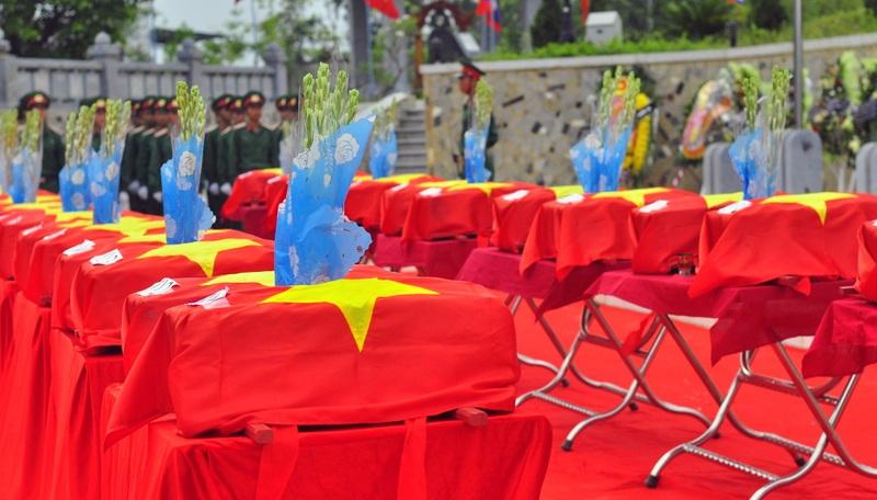 Ông Lê Ngọc Hoa - Phó chủ tịch UBND tỉnh, Trưởng Ban công tác đặc biệt tỉnh Nghệ An đọc