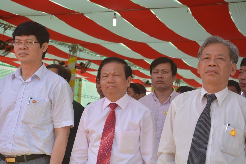 Đại biểu tham dự buổi lễ