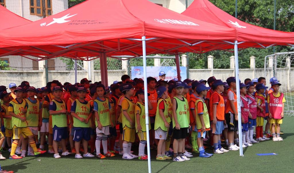 Trại hè bóng đá YAMAHA năm nay có 367 ứng viên đến đăng ký tham gia.