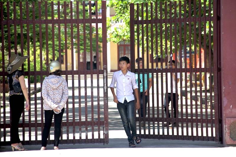 Thí sinh tại Nghệ An làm bài ở môn Ngữ Văn ra sớm
