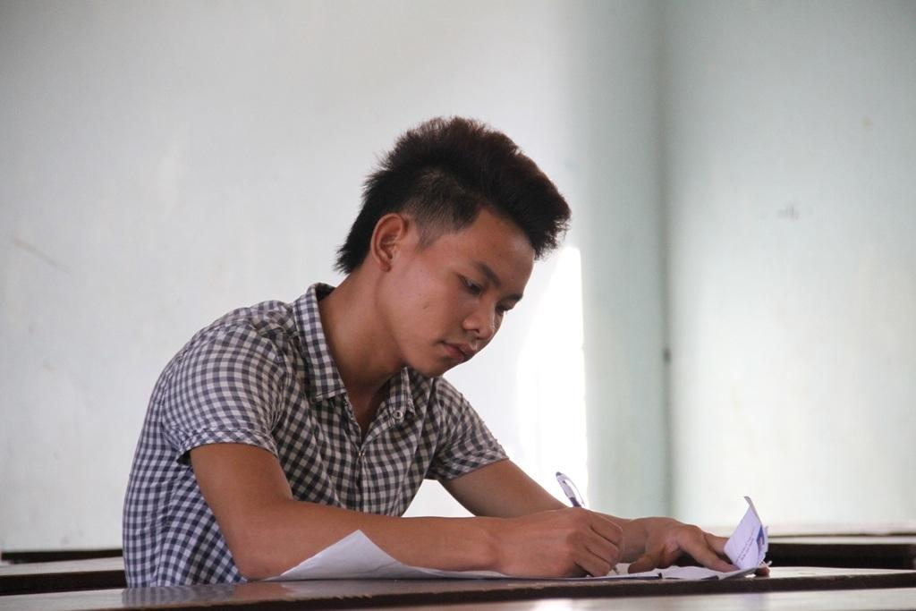 Hải tỏ ra tự tin mình sẽ hoàn thành tốt bài thi hôm nay.