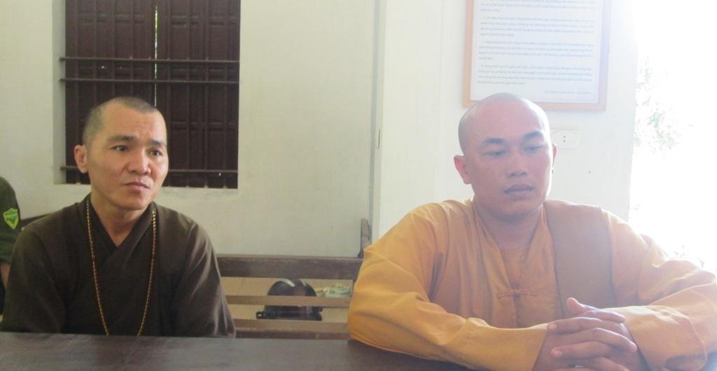 Hai đối tượng Văn Công Cường và Nguyễn Văn Tài tại cơ quan chức năng.