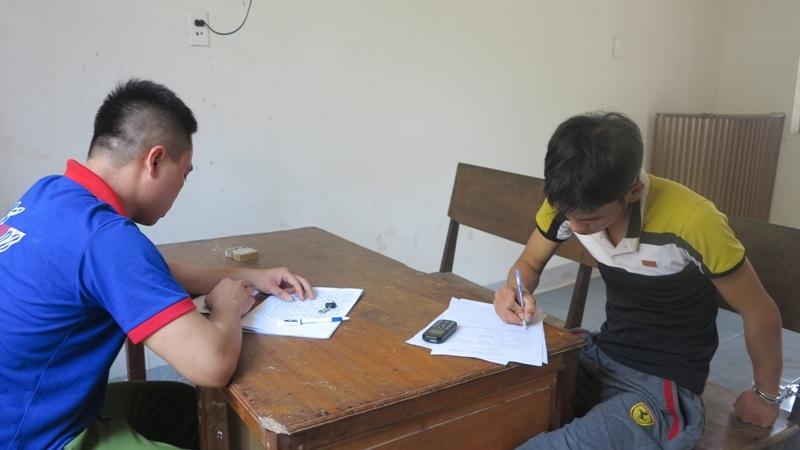 Đối tượng Hải được bàn giao cho CA huyện Nghi Lộc tiếp tục điều tra làm rõ.