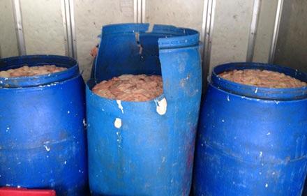 Kinh hoàng hàng trăm kg nội tạng bốc mùi hôi thối đang trên đường tuồn vào các quán nhậu