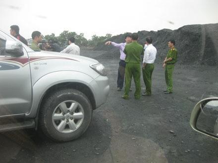 Cơ quan điều tra vào cuộc làm rõ nghi án hàng chục nghìn tấn than bị chôn tạm dưới đất.