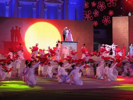 Khai mạc Lễ hội hoa phượng đỏ Hải phòng.