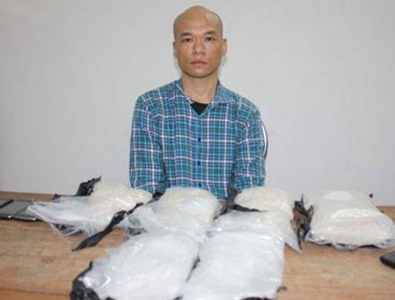 Đối tượng Liu Yong Xiong (người Trung Quốc), bị bắt giữ cùng tang vật tại cơ quan chức năng.
