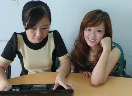 Sáng nay giao lưu trực tuyến cùng Hương Tràm và Đinh Hương