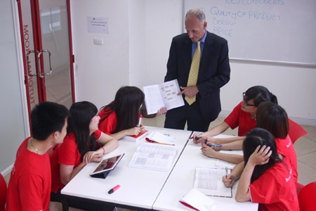 Những giờ lên lớp đầy hứng thú của sinh viên với các giáo viên nước ngoài