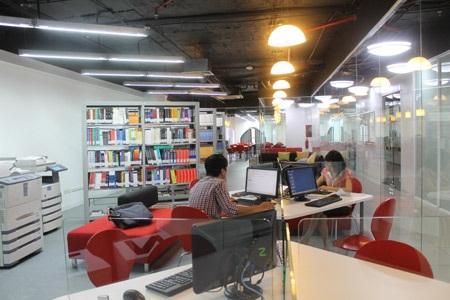 Thư viện hiện đại ngay trong trường