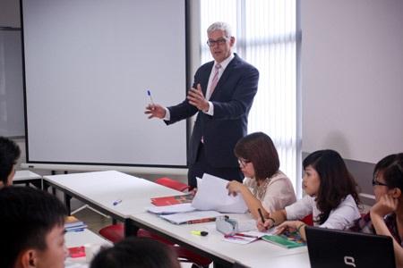 Chia sẻ gần gũi giữa thầy và trò là điểm dễ nhận thấy tại ĐH Anh Quốc Việt Nam (BUV)