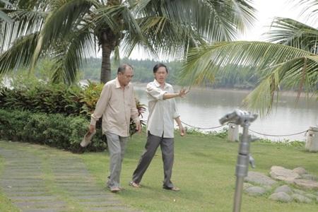 Nghệ sỹ Hoài Linh và NSƯT Việt Anh trong một cảnh quay