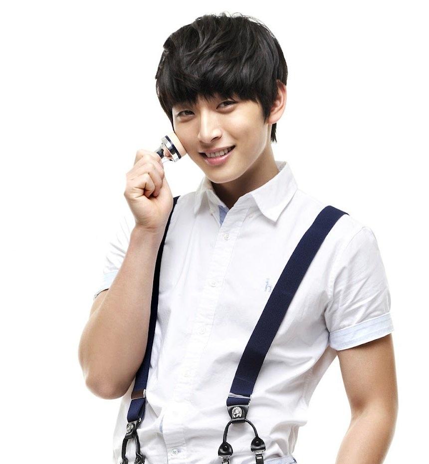 Jin Woon đang được phẫu thuật khẩn cấp