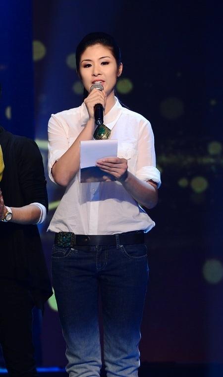 Hoa hậu Ngọc Hân luôn hoàn thành tròn vai vị trí MC của mình