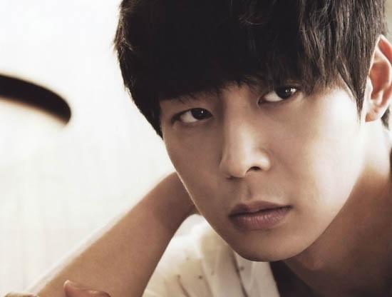 Park Yoochun được bình chọn là nam ngôi sao có đôi mắt quyến rũ nhất