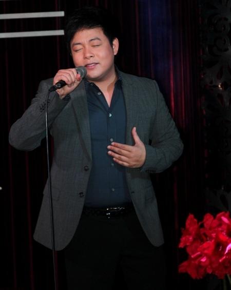 ...Luôn khiến anh có nhiều cảm xúc nhất khi hát và cũng được khán giả yêu cầu nhiều nhất