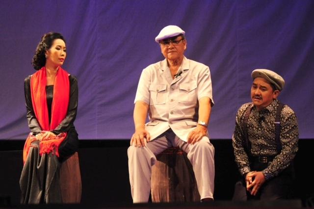 Á hậu Trịnh Kim Chi (bìa trái) cùng nghệ sỹ Hùng Minh và Anh Vũ trong