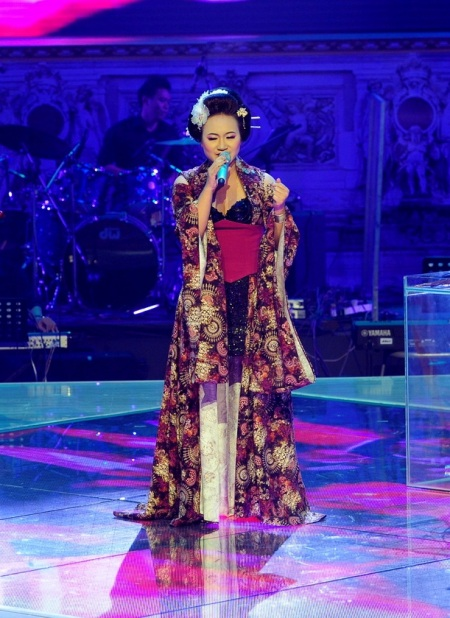 Khánh Linh đang tạm giữ vị trí đầu bảng