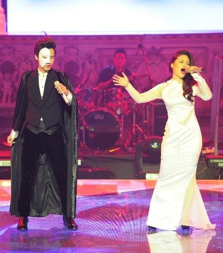 Minh Sang và Hoàng Yến song ca trong một tiết mục khách mời