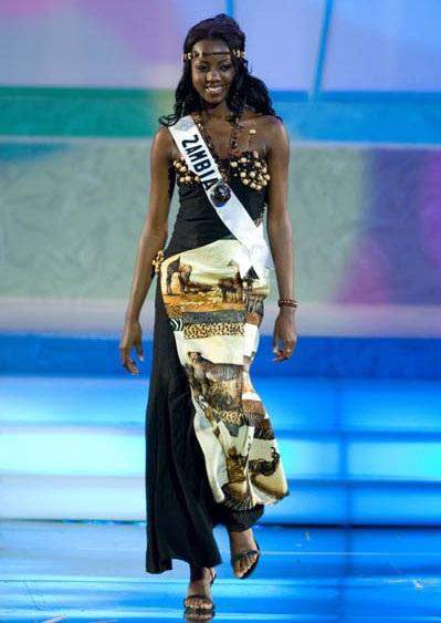 Tháng 11/2011, người đẹp đến từ Zambia - Mofya Chisenga, Á hậu 4 cuộc thi