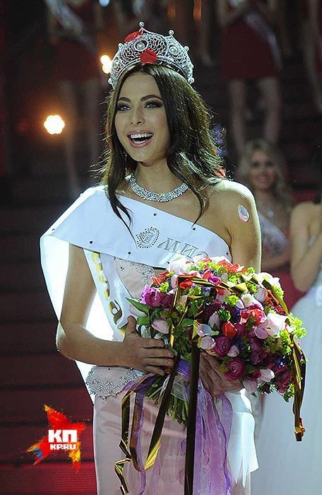 Yulia thu hút nhờ gương mặt đậm chất Nga và chiều cao nổi bật