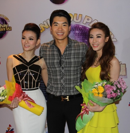 Trương Nam Thành đến chúc mừng hai quán quân