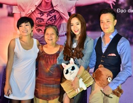 Phương Thanh, NSƯT Lê Thiện, Minh Hằng, Lương Mạnh Hải (từ trái sang)