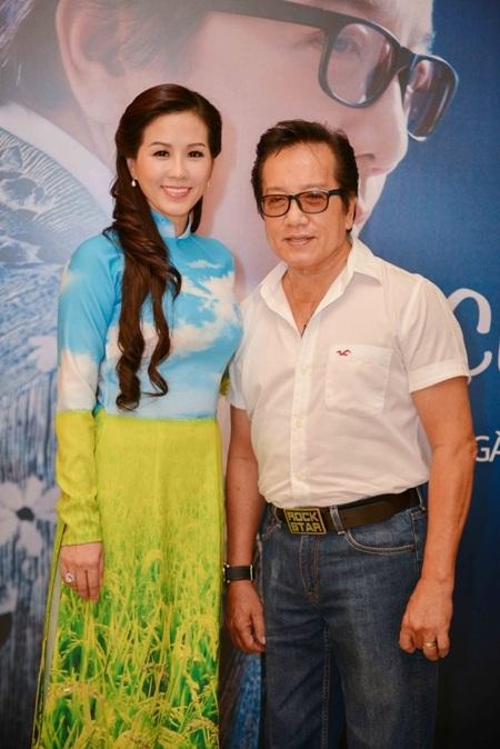 Hoa hậu Thu Hoài xuất hiện dịu dàng trong buổi ra mắt chương trình